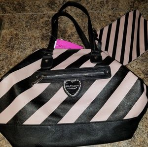 Brand New Betsey Johnson Trap Tote W/ MakeUp Bag